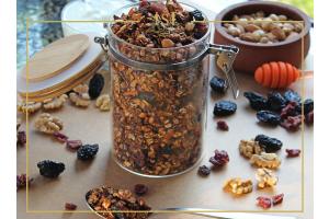 Ansicht der Hausgemachtes Granola in einem Hülsenfrüchte Glas